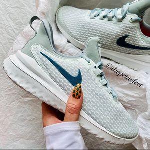NWT Nike Renew Rival teal